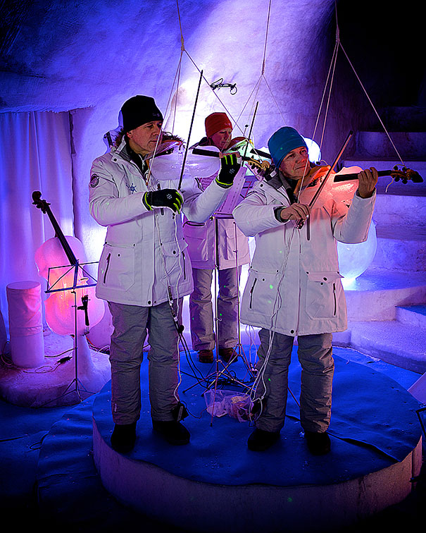 orchestra-played-their-enchanting-music-with-instruments-made-of-ice-15__605