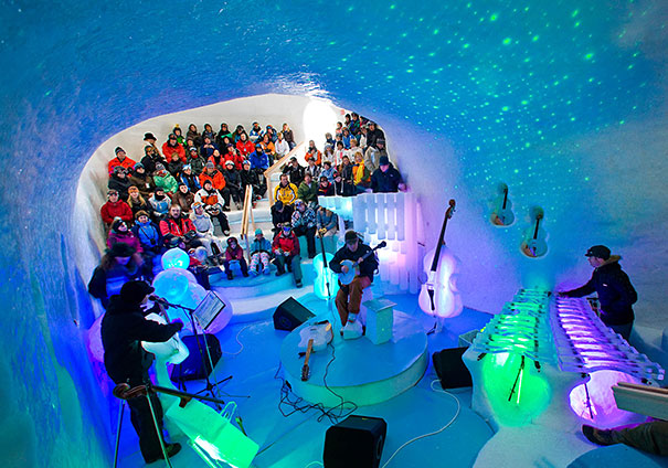 orchestra-played-their-enchanting-music-with-instruments-made-of-ice-18__605
