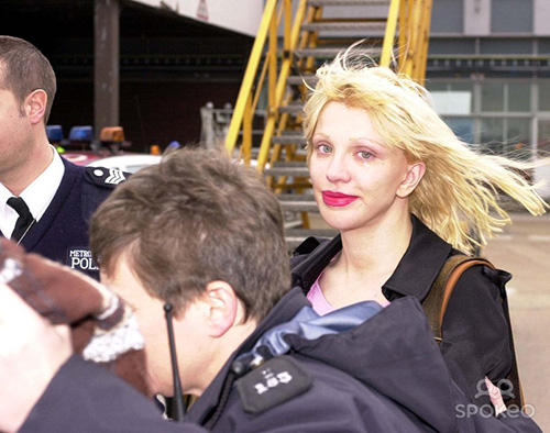 courtney_love_2003_02_04