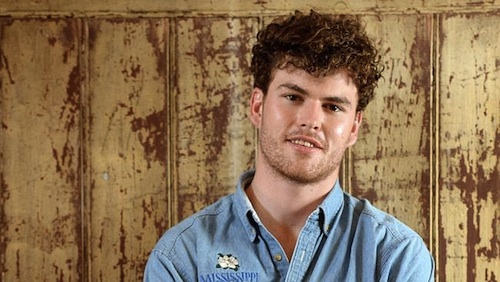 Vance Joy head shot