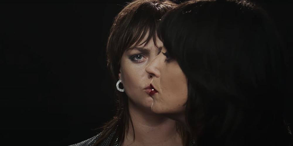 Sharon Van Etten and Angel Olsen cover Femme Fatale