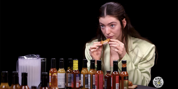 Lorde on Hot Ones