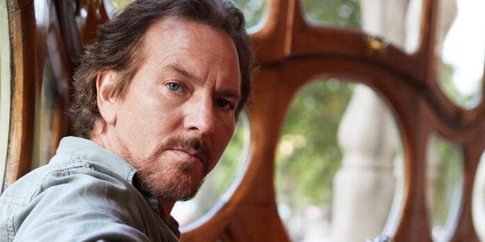 Eddie Vedder plays Ohana Fest